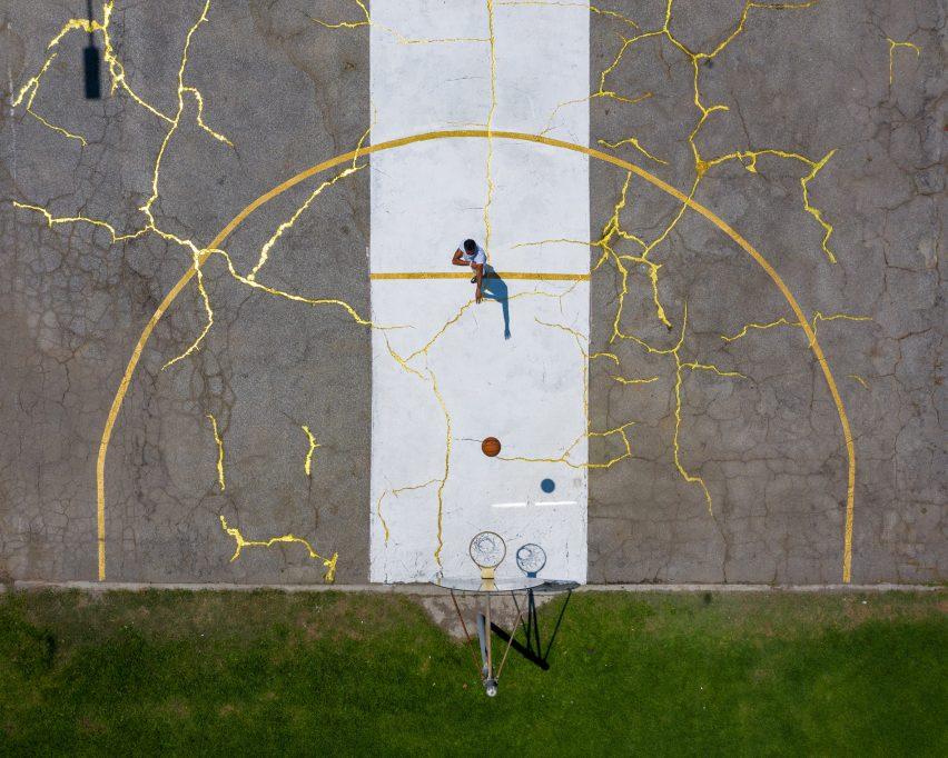 kintsugi-court-literally-balling-design_dezeen_2364_col_4-852x682